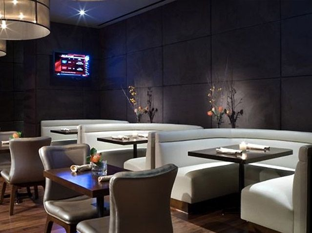 Modern restaurant design in sport lounge bar ideas for Restaurant moderne