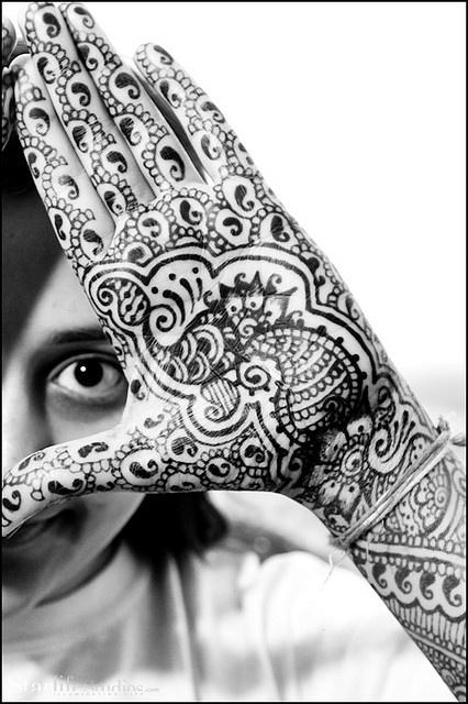 Artee's mehndi; design inspired by Neeta Sharma and Ravie Kattaura by bethlock3, via Flickr