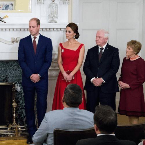 Kate Middleton con la spilla di diamanti celebra il Canada