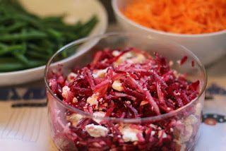 Bieten salade met peer en feta - Rauwe rode biet die niet naar aarde smaakt!