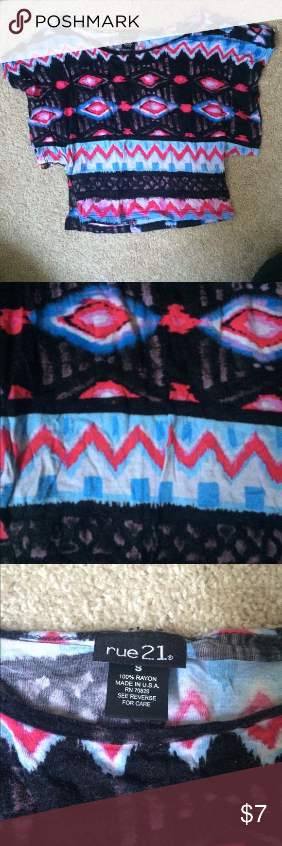 Aztec crop top Aztec crop top. In good condition. Feel free to ask for additional pictures. Rue 21 Tops Crop Tops