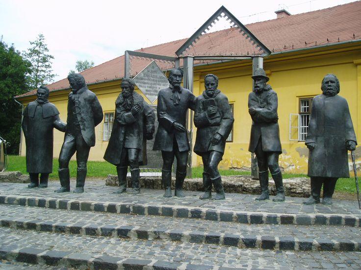 Nagykoros, Arany János Museum. Imre Varga: Great teachers - Sculpture
