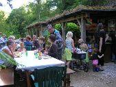 Camping Moulin de Liort: kleinschalige familiecamping aan riviertje in bosrijk gebied. Er zijn pony's, kinderactiviteiten, vers brood en veel rust.
