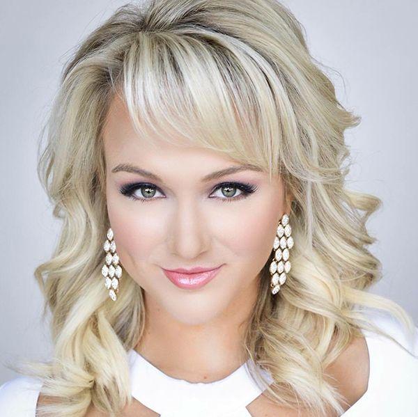 Miss Arkansas Savvy Janine Shields