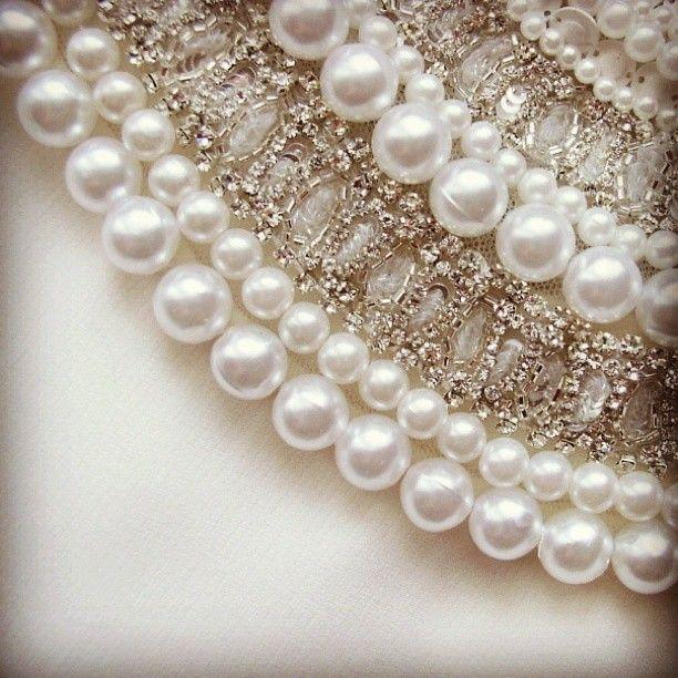 pearls.quenalbertini: Fashion Detail | Photo by krista_decor
