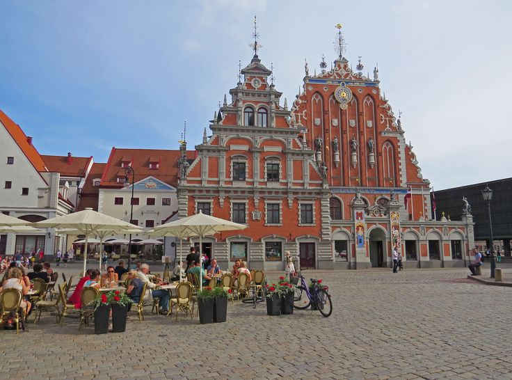Wander around Riga's Old Town and take some time to relax and have a drink at the nice Old Town Square - Photo by David Craig, Group Escort