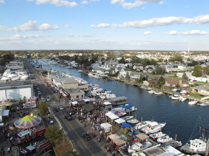 A Visitor's Guide to The Nautical Mile in Freeport