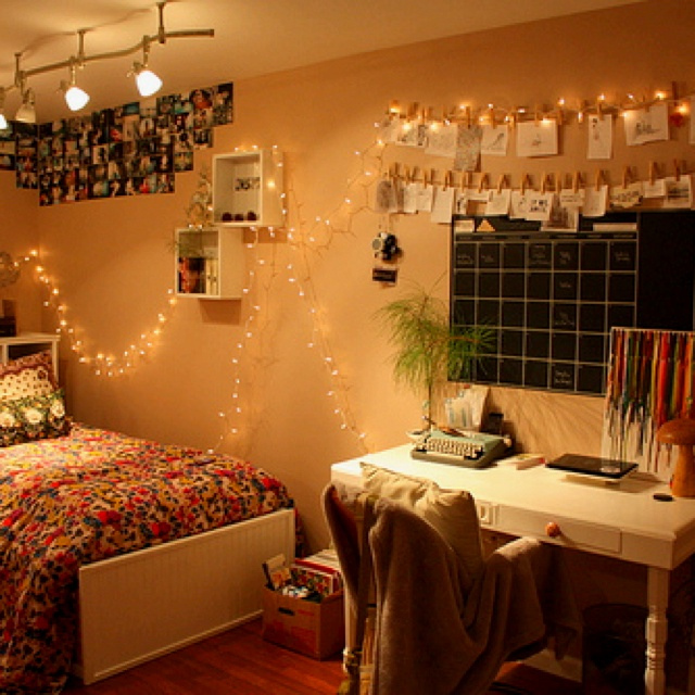 Teen bedroom ideas #bedroom #design #polaroids I like the lights and the clothes pins (except photos would be hanging instead)