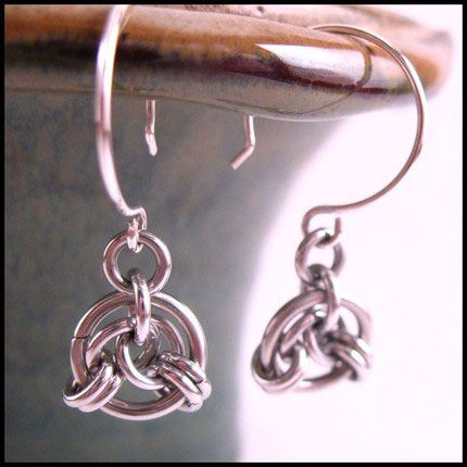 Free Chainmail Patterns Chain Maille | Beautiful , elegant, and timeless. Chainmail jewelry in silver , gold ...