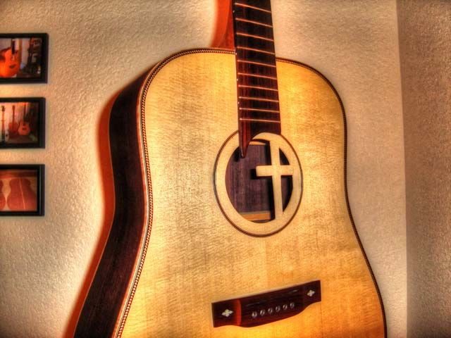 25 Simple Ways To Customize Your Guitar Without Changing The Tone Westfarthing Woodworks Guitar Guitar Diy Guitar Building