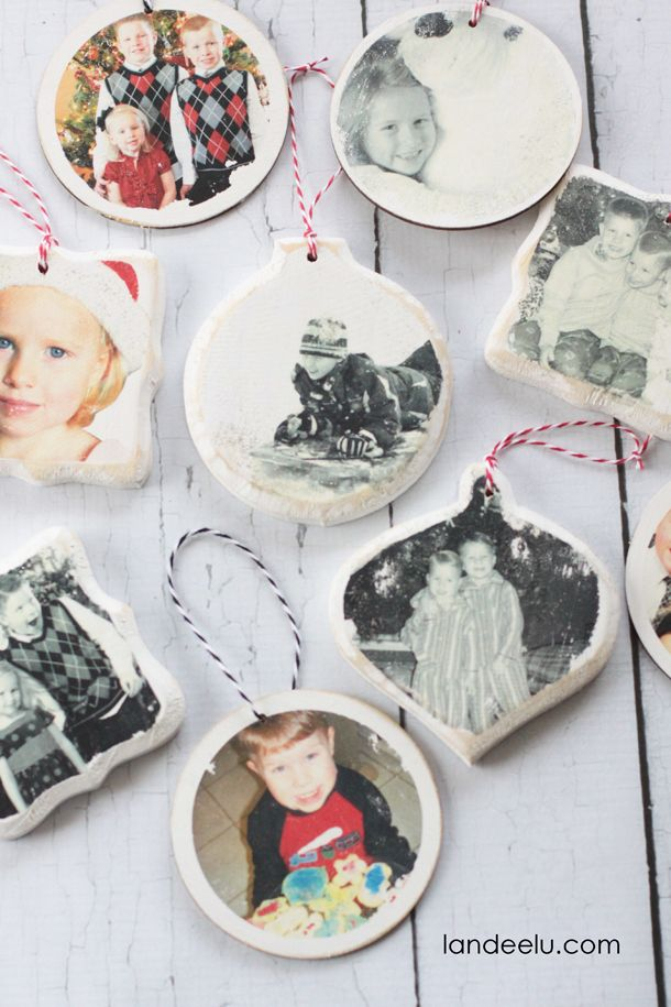 Photo Transfer Christmas Ornaments. Love this idea to display holiday memories…