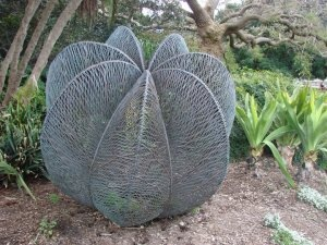 Palm by Bellevue Hill artist Bronwyn Oliver, located in the Royal Botanical Gardens, Sydney.