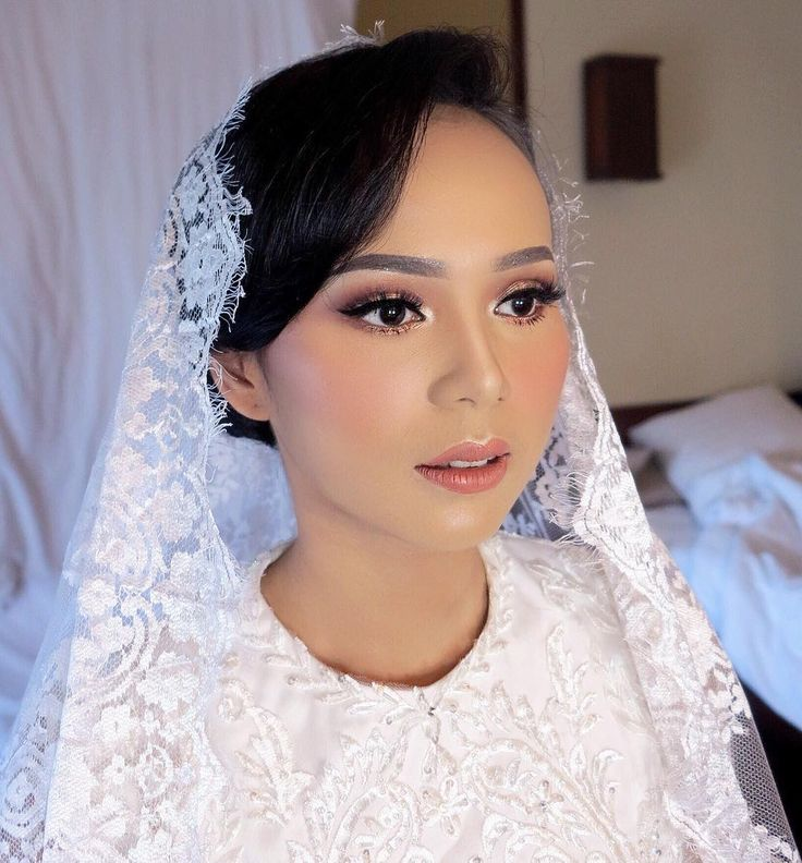 Hijab Wedding / Muslim Brides / Akad Nikah Makeup / Wedding Make Up by dininurdianimua on Instagram ☁ @terosha ☁