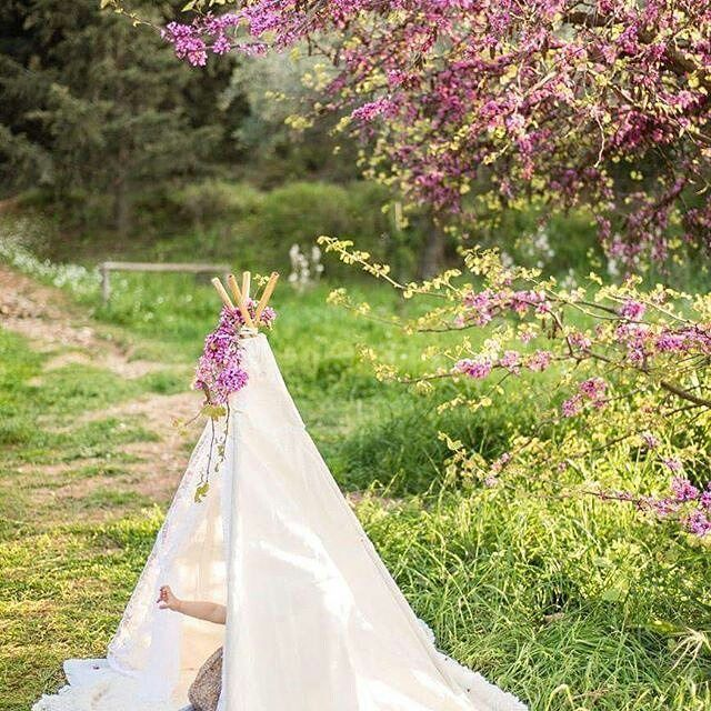 Waiting for the #spring #passionately 💖🌸💐🌺🌹💖#teepeelicious  #teepeedecor #teepee #eventideas Many thanks to @shooting_stars_photography_ath for the stunning caption. Perfect as always 👍👌🔝