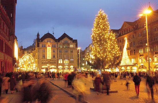 Рождественская ярмарка в Брюсселе, Бельгия Weihnachtsmarkt in Brüssel, Belgien Christmas Fair in Brussels, Belgium Foire de Noël à Bruxelles , en Belgique