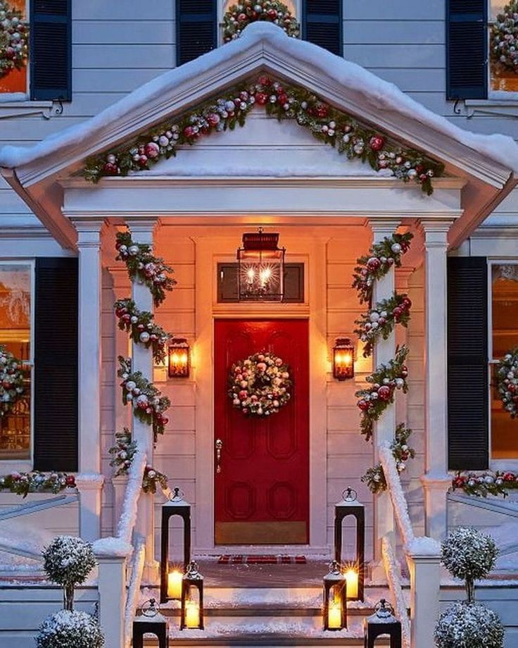 Nice 88 Amazing Christmas Lantern Ideas for Indoor Decoration. More at http://www.88homedecor.com/2017/12/24/88-amazing-christmas-lantern-ideas-indoor-decoration/