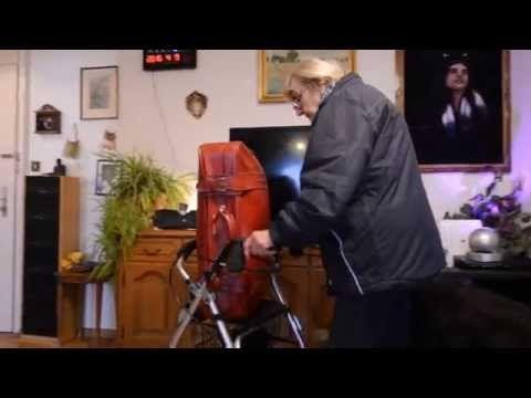 Maltraitance envers les personnes âgées - YouTube