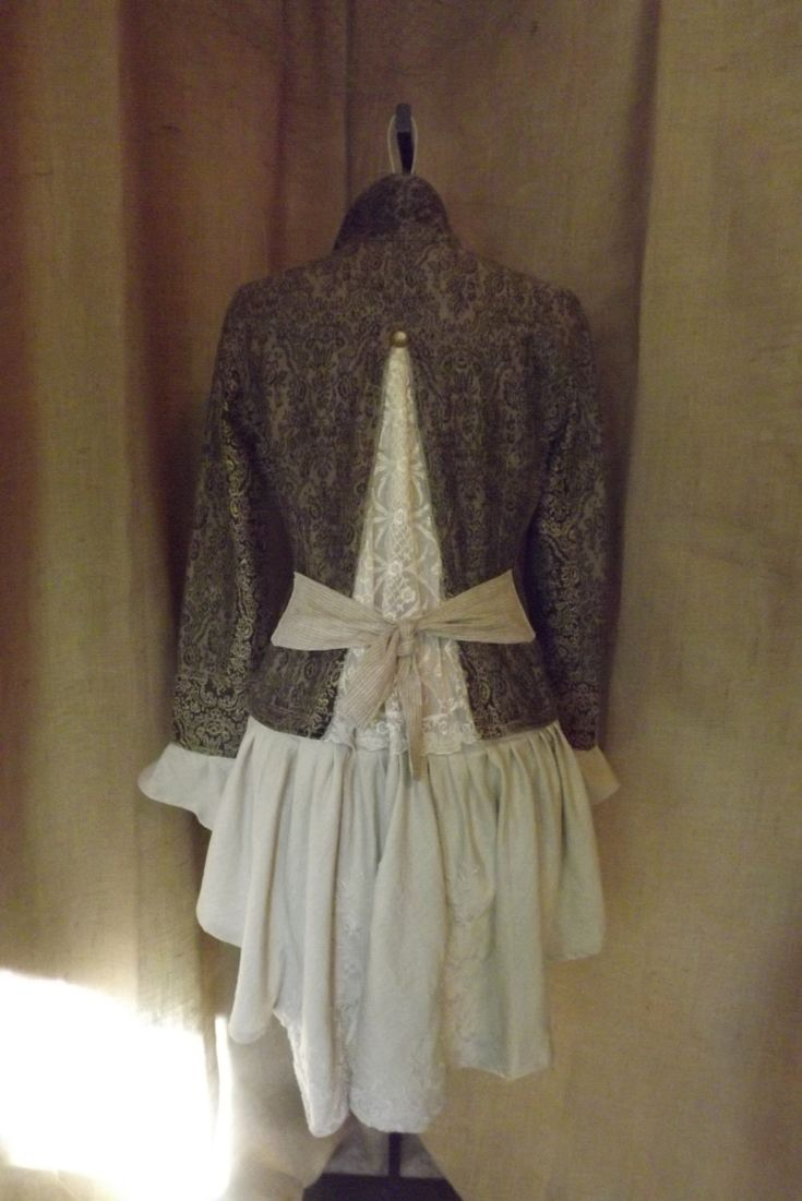 Victorian Inspired Lagenlook Tapestry Bustle by bluemermaiddesigns