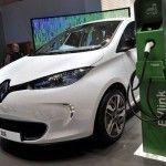 Boom+auto+elettriche,+nel+2040+saranno+35%+vendite+mondiali+Analisti,+consumo+petrolio+calerà+di+13+mln+di+barili+al+giorno
