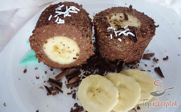 Egyszerű, finom, könnyű, mindez sütés nélkül. A csokoládés túróba csomagolt banán éppen ezért egy tökéletes finomság, amit pillanatok alatt össze lehet állítani. Az ötlet onnét eredt, hogy karácsony után maradt pár ostyalap az éléskamrában és nem tudtam, mit kezdjek vele. Majd rátaláltam erre a receptre és elkészítettem. Nagy sikert arattam vele, a család mind a tíz ujját megnyalta utána. Én imádom benne, hogy nem túl édes, a banán és a jó minőségű csokoládé pedig felejthetetlenné teszi.