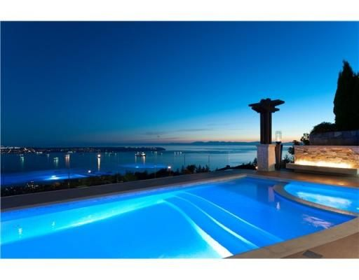 Swimming pool over looking the ocean - Canada Real Estate - Univs.ca
