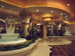 CAESERS PALACE -  Travel Divil: LA - Las Vegas - Grand Canyon - Phoenix - LA http://traveldivil.blogspot.ie/