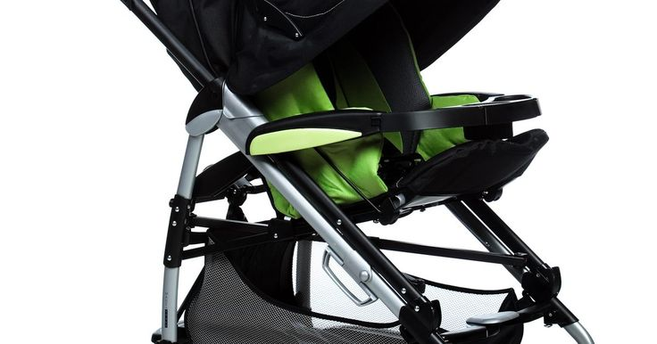 Como subir um carrinho de bebê em uma escada rolante. Quando você estiver levando um carrinho de bebê enquanto passeia no shopping, uma escada rolante pode parecer um salva-vidas se não houver um elevador nas proximidades. Siga algumas estratégias de segurança ao usar a escada rolante para proteger você e seu bebê de acidentes.