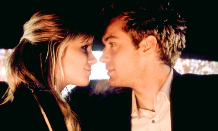 Pin for Later: 28 Real Couples Who Played Couples on Screen Sienna Miller and Jude Law, Alfie