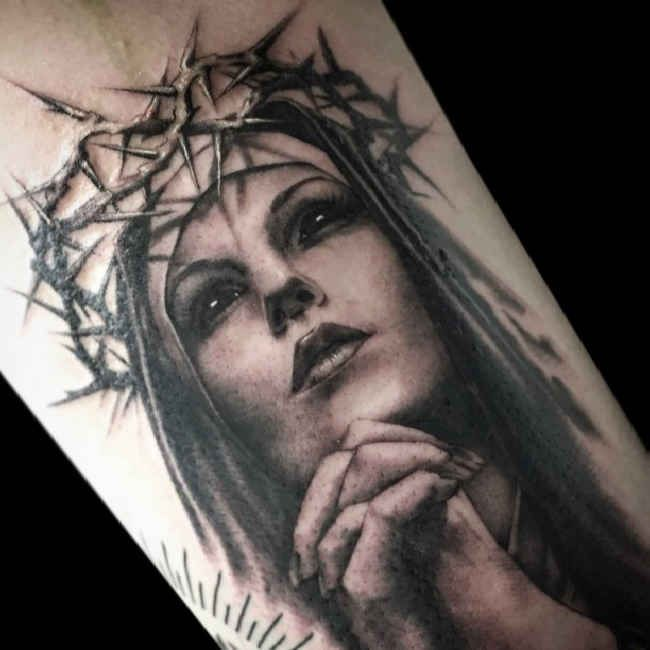 Tattoo praying woman crown of thorns   #Tattoo, #Tattooed, #Tattoos