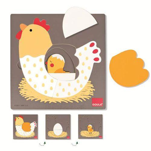 Ce puzzle en bois est sur 3 niveaux. A chaque étape l'enfant découvre une nouvelle illustration : une poule, un oeuf et un poussin.