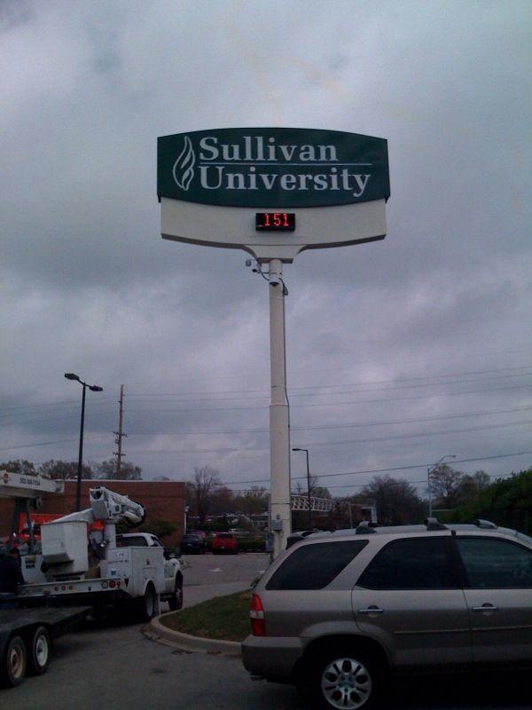 Sullivan University #sullivanuniverstiy #commonwealthsign #commonwealthsignco #pylonsigns #university #louisvilleky