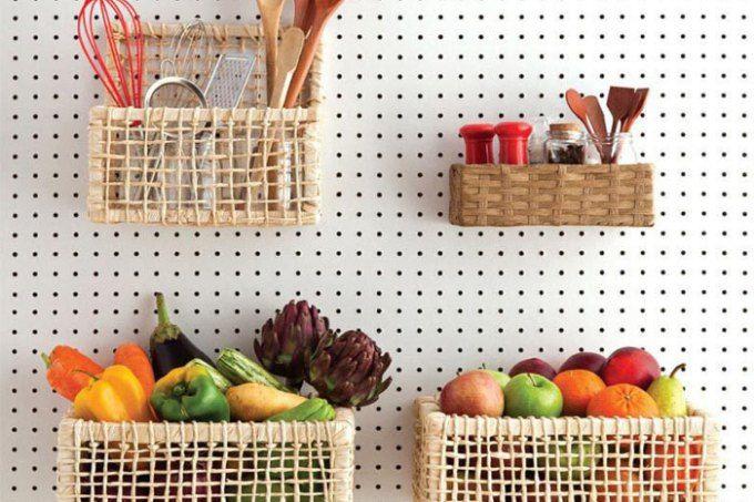 Da cozinha ao quarto e da garagem ao jardim, estas ideias com pegboard vão te conquistar!