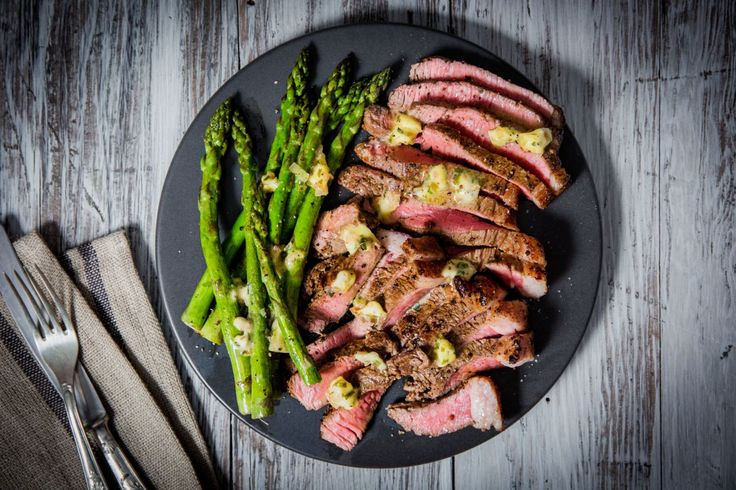 Béarnaise Butter Grilled Steak and Asparagus - Make delicious beef recipes easy, for any occasion