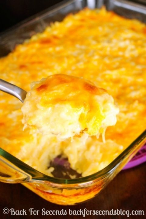 Cheesy Hash Brown Casserole - Everyone LOVES this!! http://backforseconds.com #holidaysidedish #casserole #cheeseypotatoes