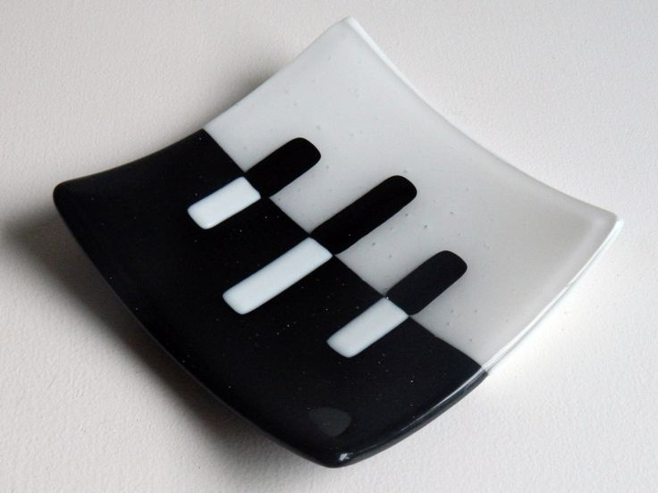 Black & White Fused Glass plate simple design