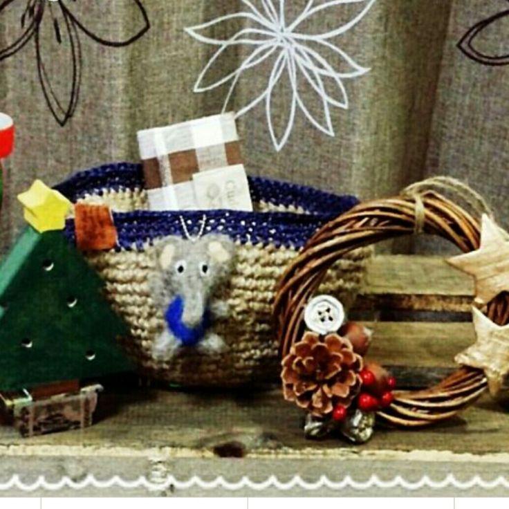 tommyちゃんの作品 麻紐の手作りカゴ 象の羊毛フェルト 木製Xmasツリー リース