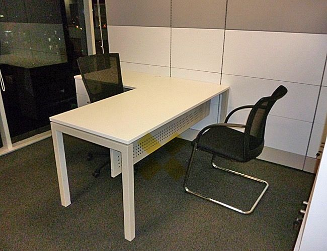 VISSO: Venta de escritorios gerenciales y jefatura de oficina / QUADRA