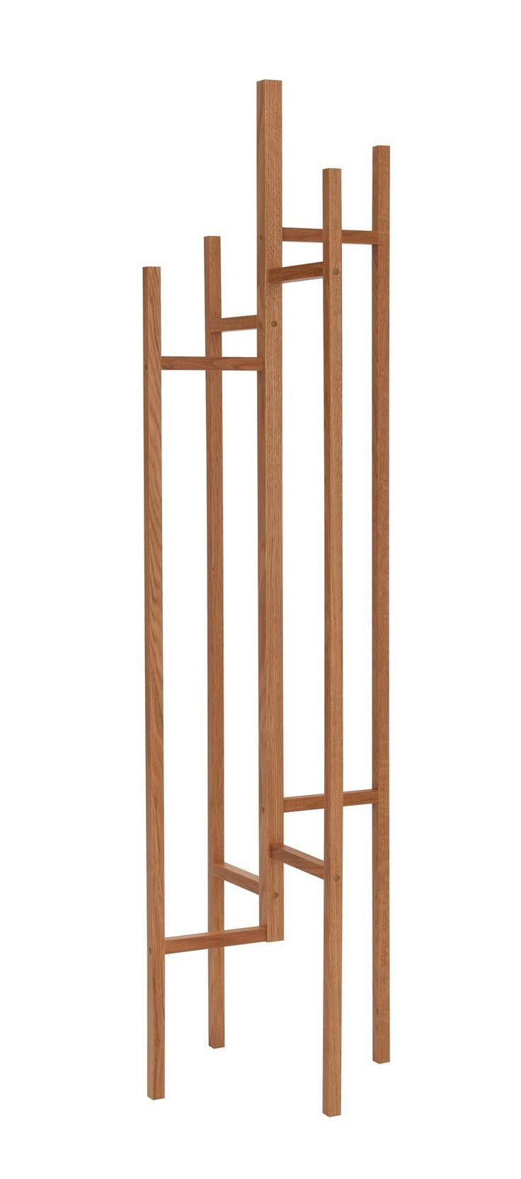 Eigen+-+Stumtjener+-+Eik+-+Moderne+stumtjener+med+et+vakkert+design.+Stumtjeneren+er+fremstilt+av+massivt+lyst+tre+og+det+er+plass+til+både+yttertøy+og+nøkler+på+tjeneren.+Et+ideelt+møbel+til+den+designbevisste.