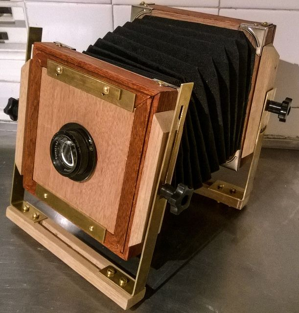 Building a large frame monorail camera
