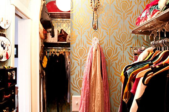 Taking My Walk-in Closet from Drab to Fab!Decor, Wall Colors, Walks In Closets, Closets Ideas, Walkin Closets, Stencils Ideas, Closets Makeovers, Dresses Room, Design Studios