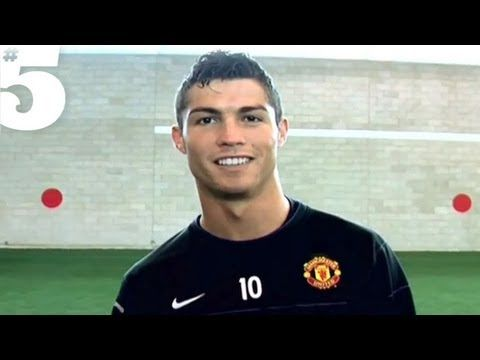 Cristiano Ronaldo Freestyle Skills | #5 Players Lounge - YouTube