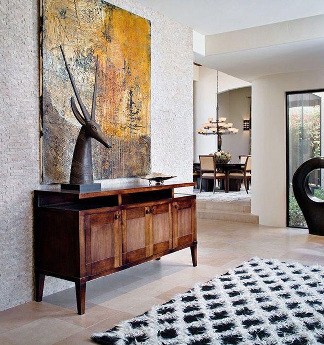 Palm Springs Residence с ярким и красочным интерьером от дизайнера интерьеров Myca Loar из Shiny Bones. Расположена резиденция в Палм-Спрингс, штат Калифорния. Дизайнер создала такое пространство, которое позволяет мысленно отправиться на просторы пустыни. Myca привносит красоту природы в помещение и комфорт дома на открытом воздухе.