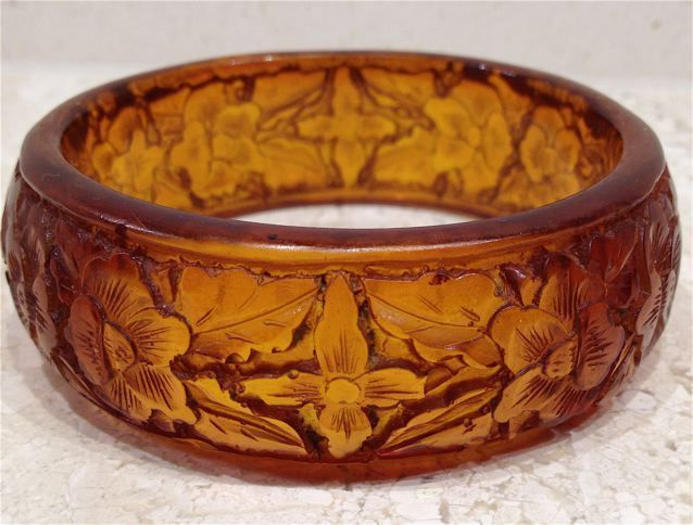Beautiful Antique Chinese Carved Amber Bangle Bracelet circa 1900