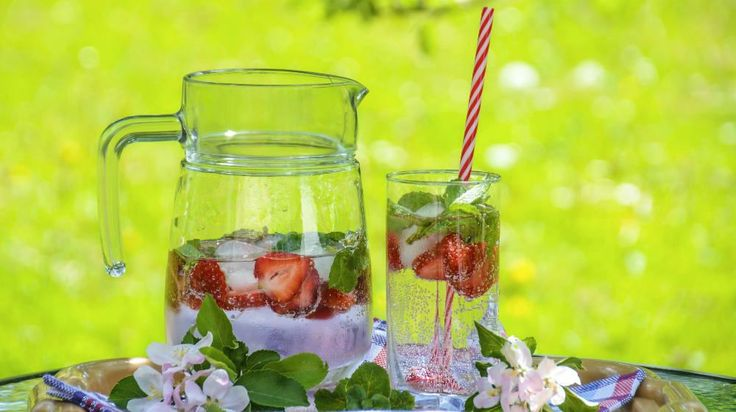 Stay refreshed with these 15 detox water recipes! Experiment with different fruit and herb flavors to find your healthy favorites! #detoxbody