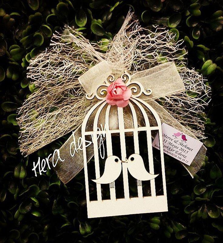 Sevimli kuş kafesleri.... #heradesign #özeltasarım #nikahhediyelikleri #nikahşekeri #wedding #weddingfavors #nikah #düğün #nişan #lasercut #