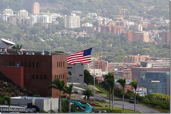 """Embajada de EEUU en Caracas cerrada este lunes por """"problemas fuera de control"""" - http://www.leanoticias.com/2014/08/04/embajada-de-eeuu-en-caracas-cerrada-este-lunes-por-problemas-fuera-de-control/"""