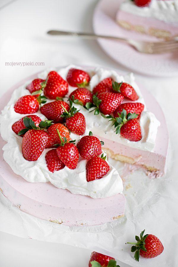Studený koláč s jahodami