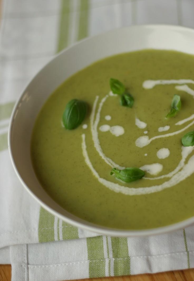 Squashsuppe med sitron og basilikum(Basil and lemon courgette soup)