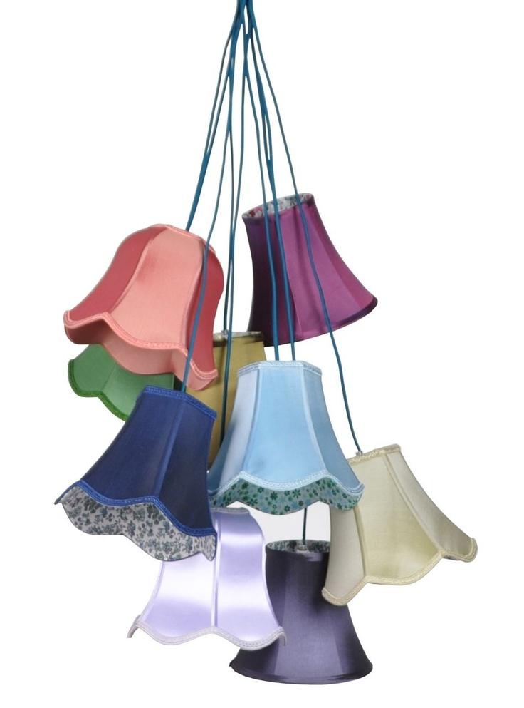 Hanglamp Granny colour Trendy hanglamp bestaande uit 9 lampenkapjes van Zuiver. Gespot op @Steal the Room