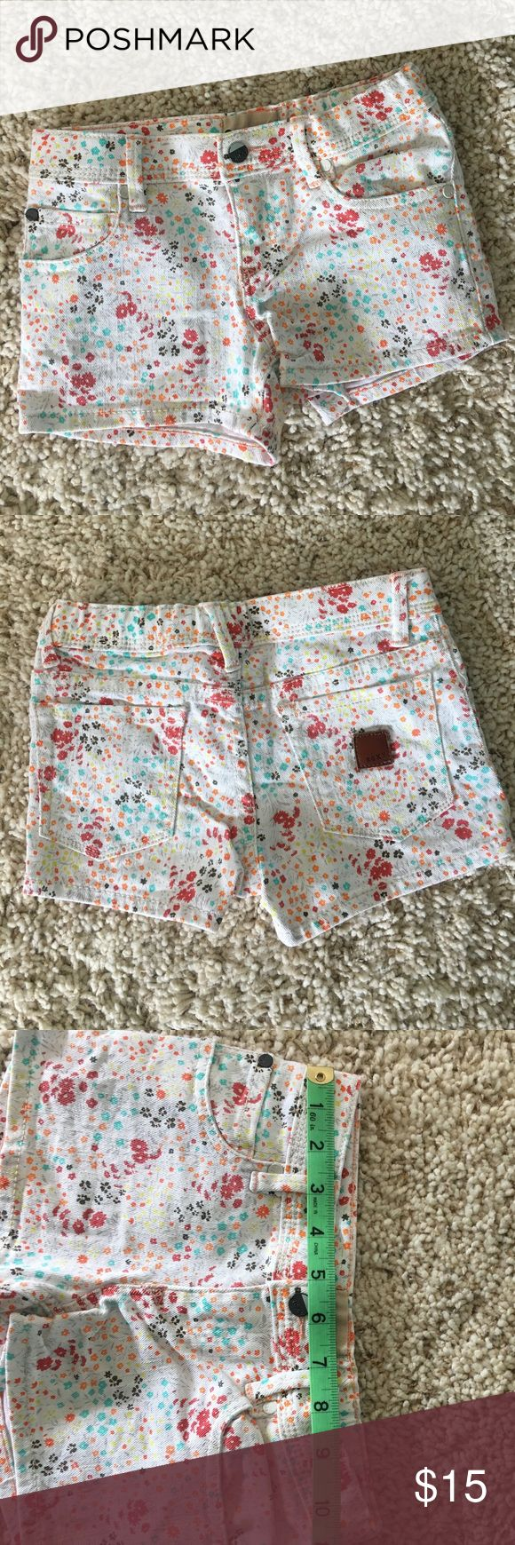 """NWOT 🌼 Roxy Denim Shorts 🌼 little girl size 6X NEW WITHOUT TAGS 🌼 Adorable! 11"""" waist 7 1/2"""" length from waist to bottom of short!  --------------------------------------------------------------------------------------🌼🌼🌼🌼🌼🌼🌼🌼🌼🌼🌼🌼🌼🌼🌼🌼🌼🌼🌼🌼No rips, stains or tears. No trades! Roxy Bottoms Shorts"""
